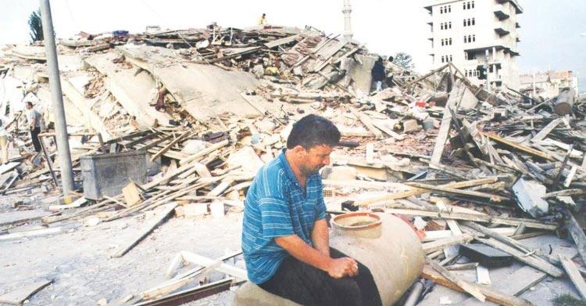 1999 depreminden akıllarda kalan görüntüler #1