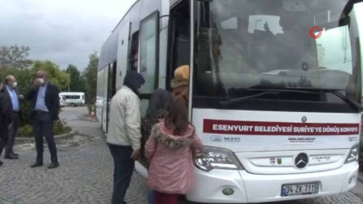 22 Suriyeli daha ülkesine döndü