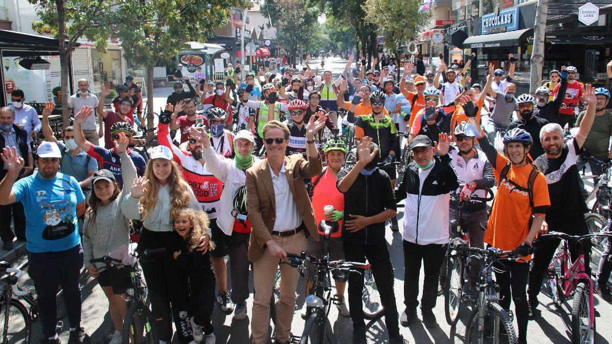 AB Delegasyonu Başkanı Meyer-Landrut, Ankaralılarla birlikte pedal çevirdi