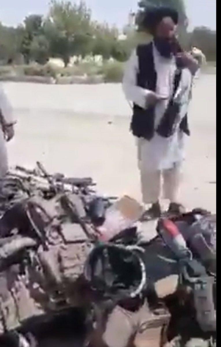 ABD nin Afganistan da bıraktığı askeri teçhizatlar tartışılıyor #3
