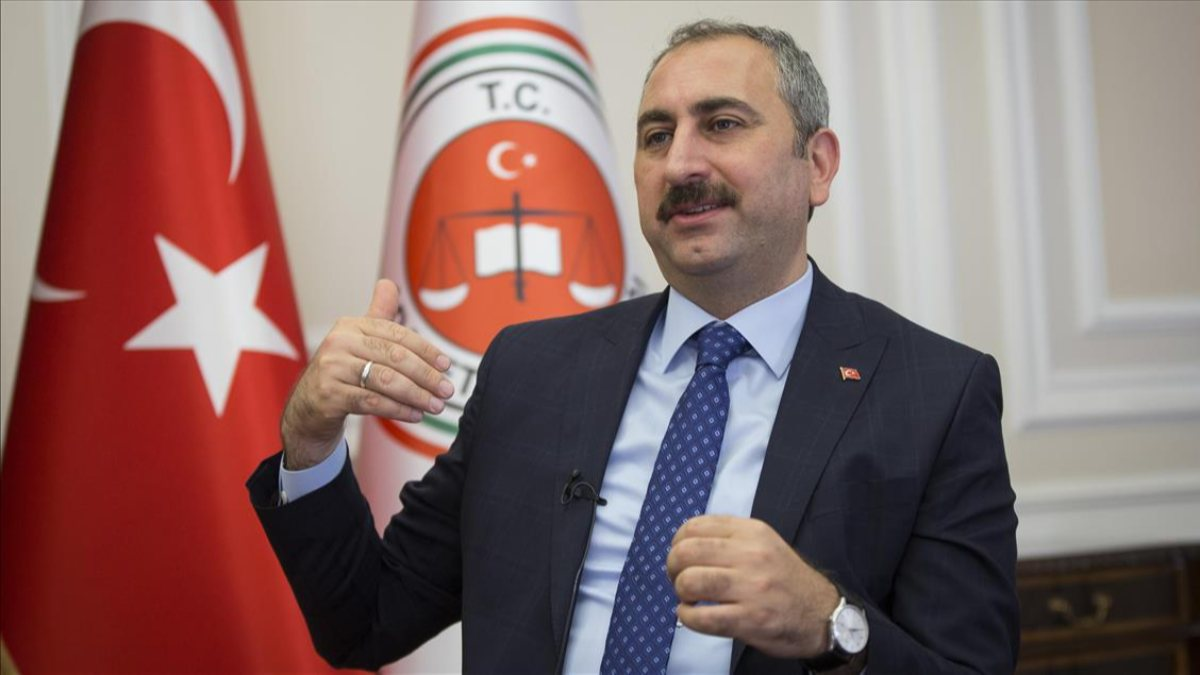 Abdulhamit Gül: Düşünce özgürlüğünü kısıtlayacak bir çalışma söz konusu olamaz
