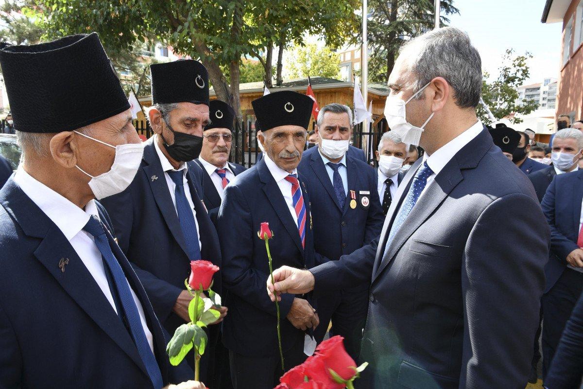 Abdulhamit Gül: Türkiye, terör örgütlerini dize getirebilecek güçtedir #1