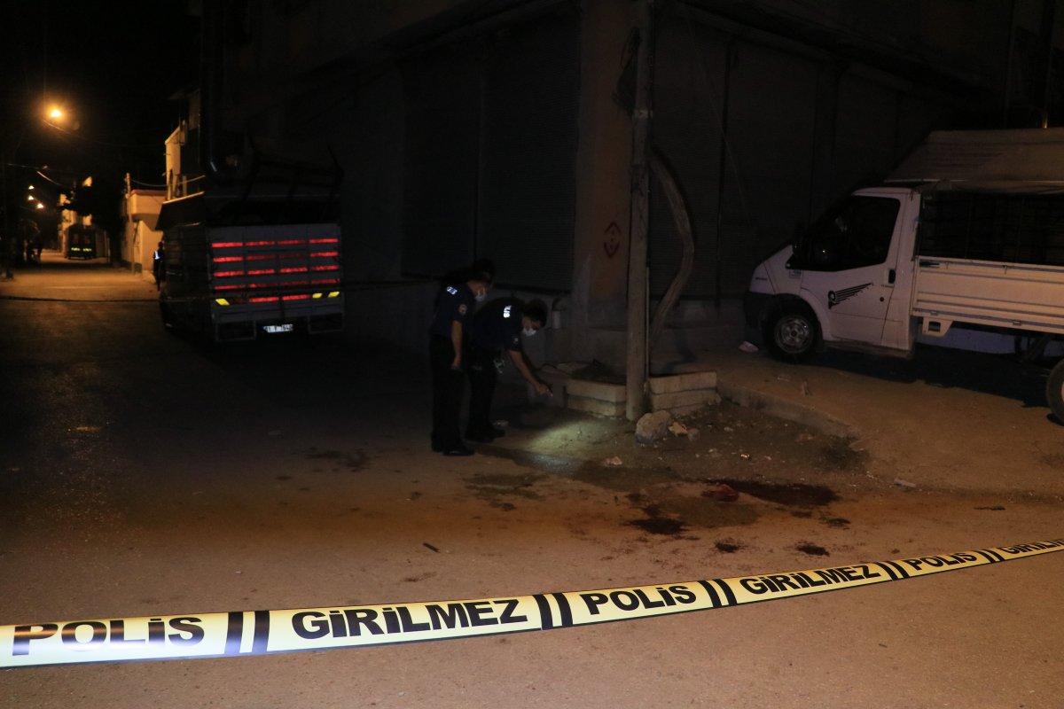 Adana da iki husumetli silahla birbirine ateş etti #3