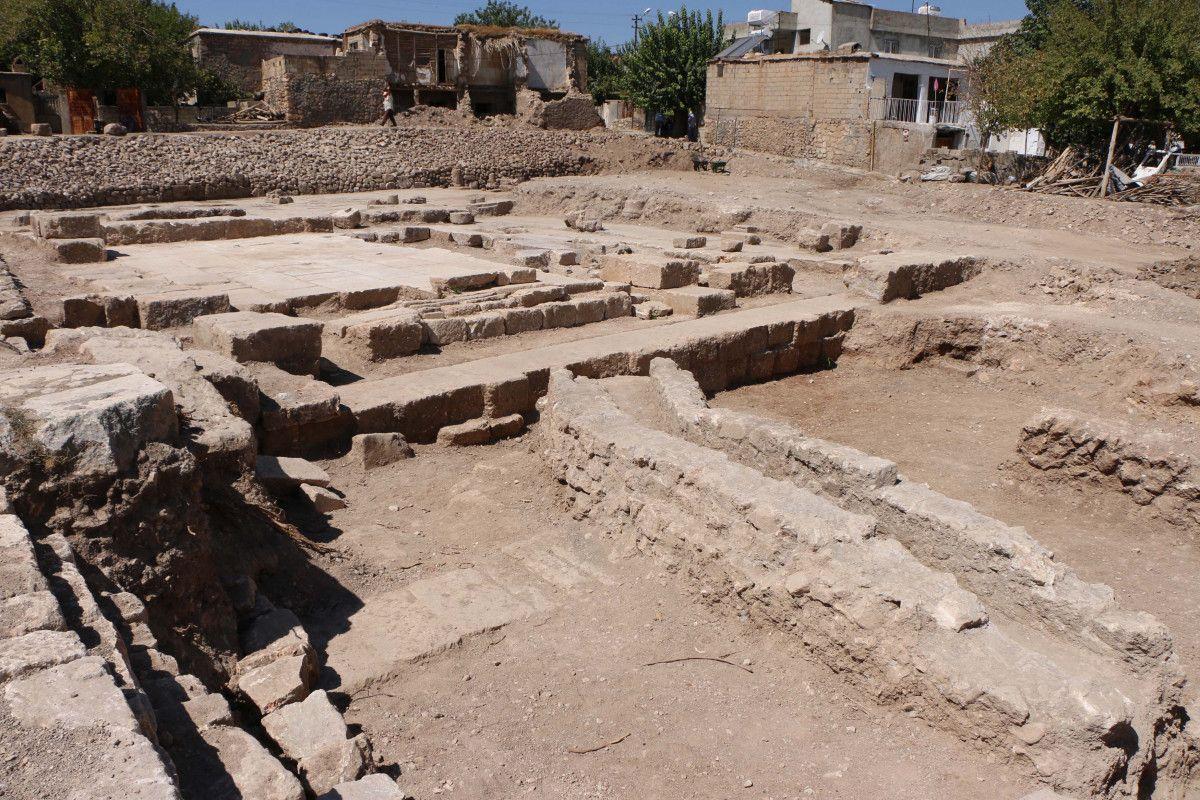Adıyaman daki Perre Antik Kenti nden sütun ve yazıtlar çıktı #2