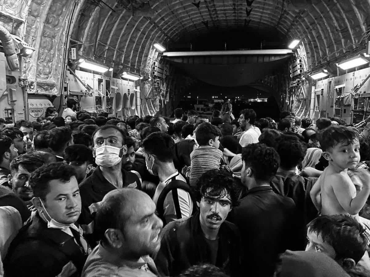 Afgan gazeteci kargo uçağıyla kaçışını anlattı #2