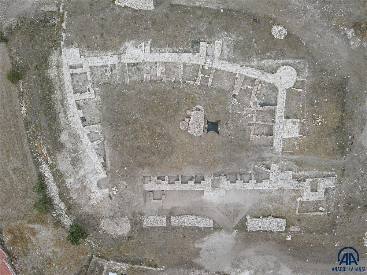 Afyonkarahisar da 800 yıllık demir saban bulundu #6