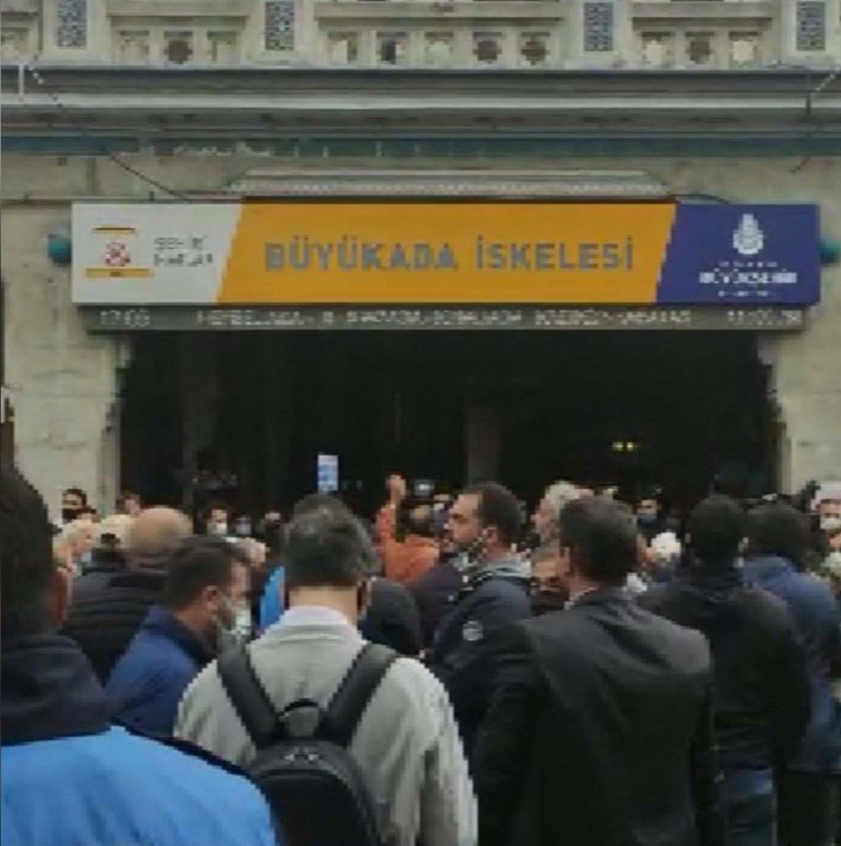 AK Parti İl Başkanlığı, Büyükada daki TÜGVA tahliyesini eleştirdi #4