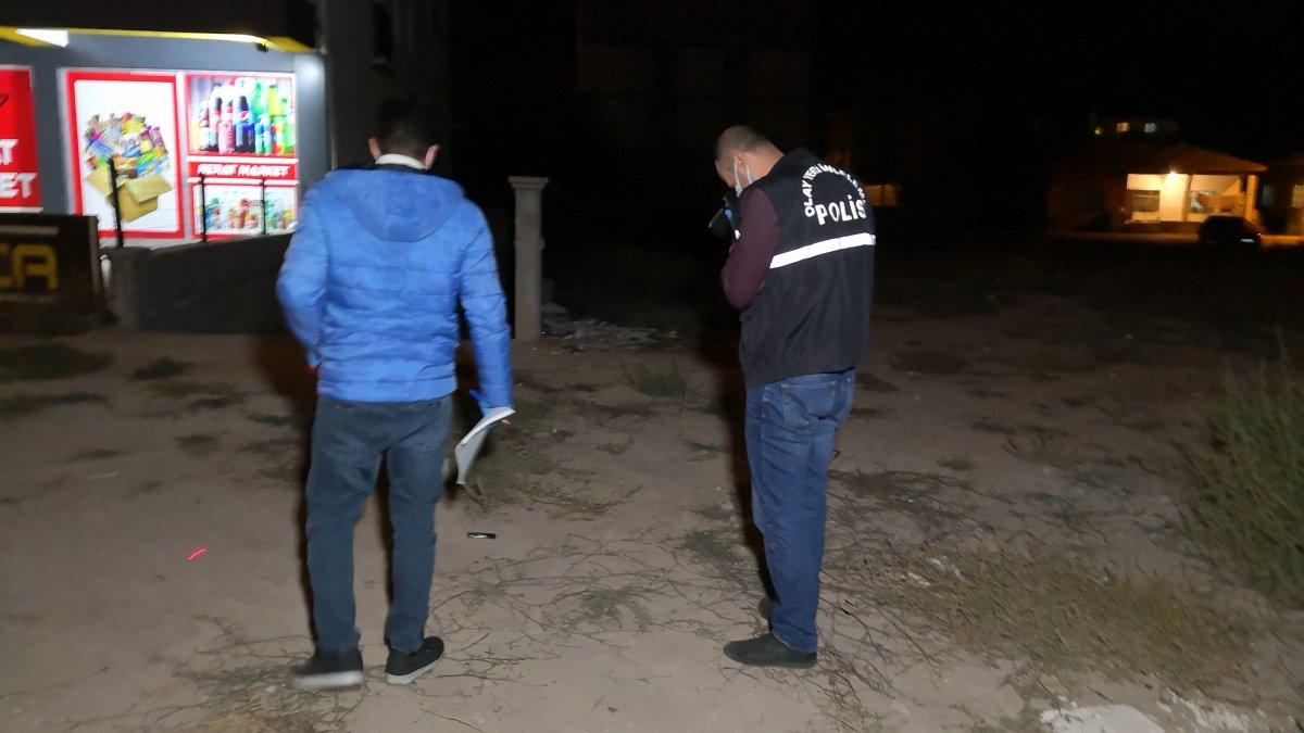 Aksaray'da tartıştığı kişinin karnına silahla ateş etti