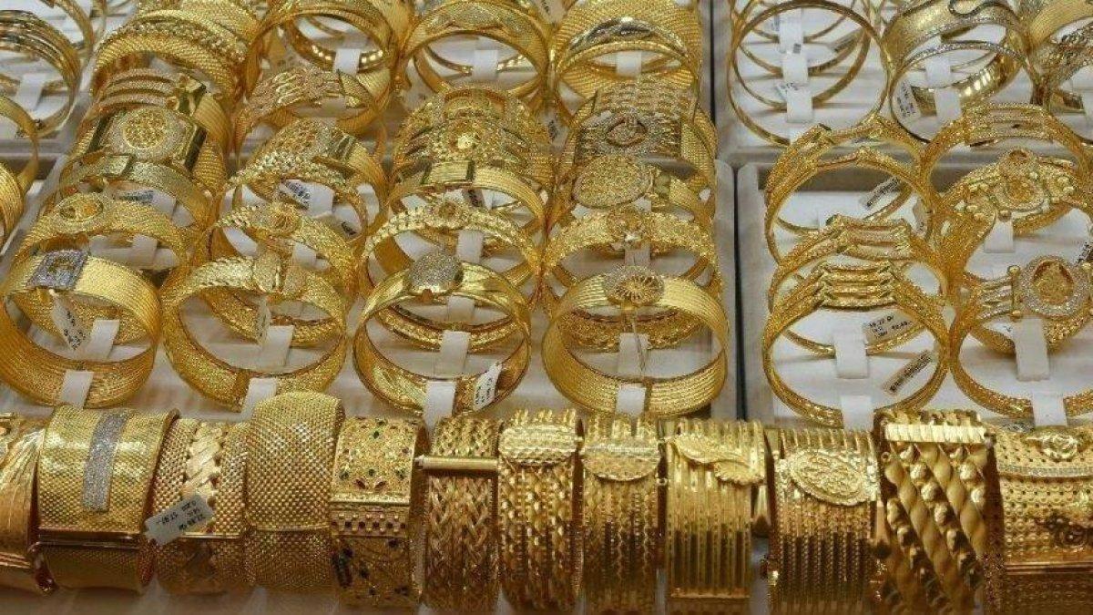 Altında ibre aşağı döndü! Altın fiyatları 26 Ağustos 2021: Bugün gram, çeyrek, yarım, tam altın ne kadar?