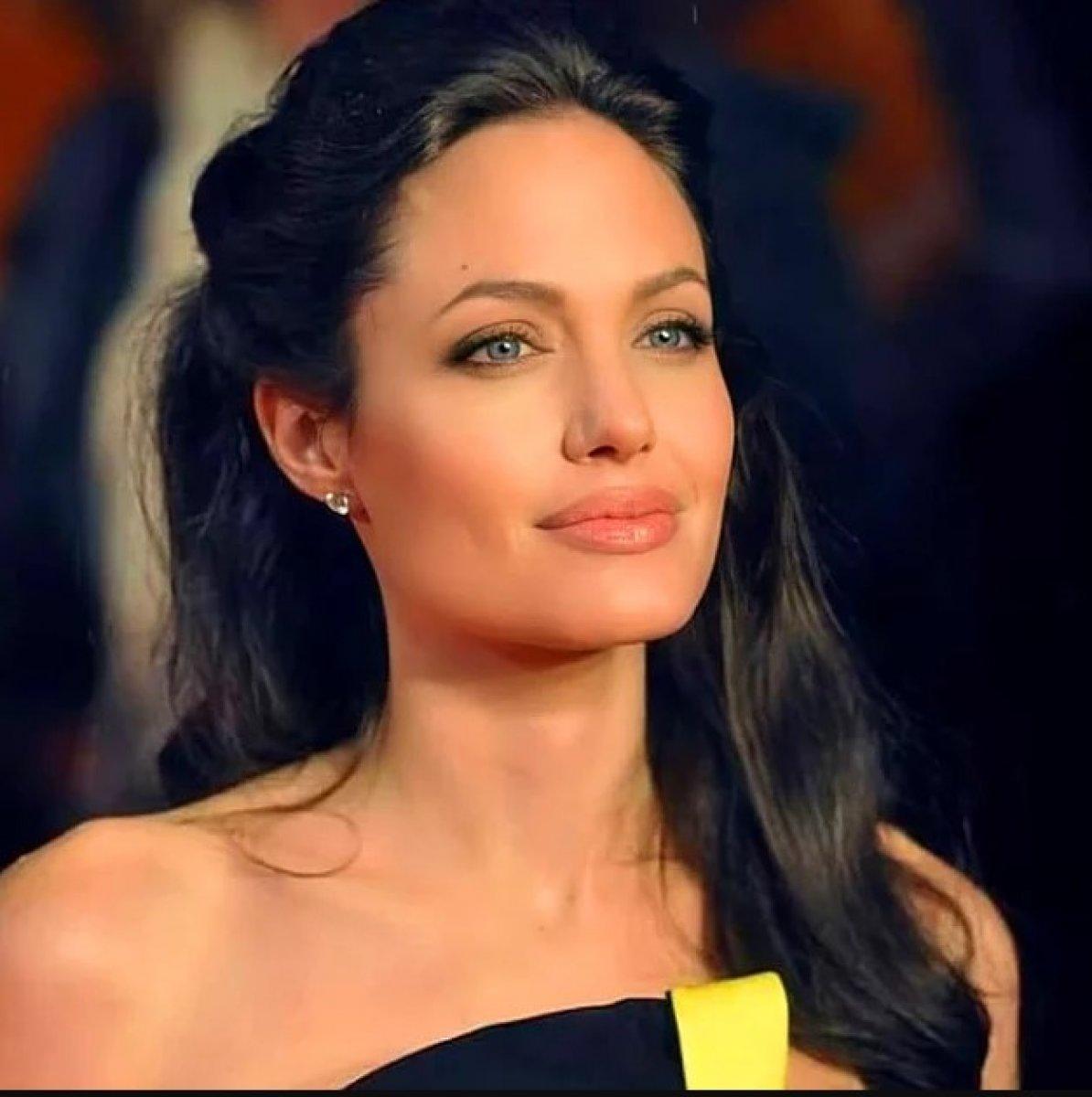 Angelina Jolie, Afganistan için Instagram hesabı açtı #2