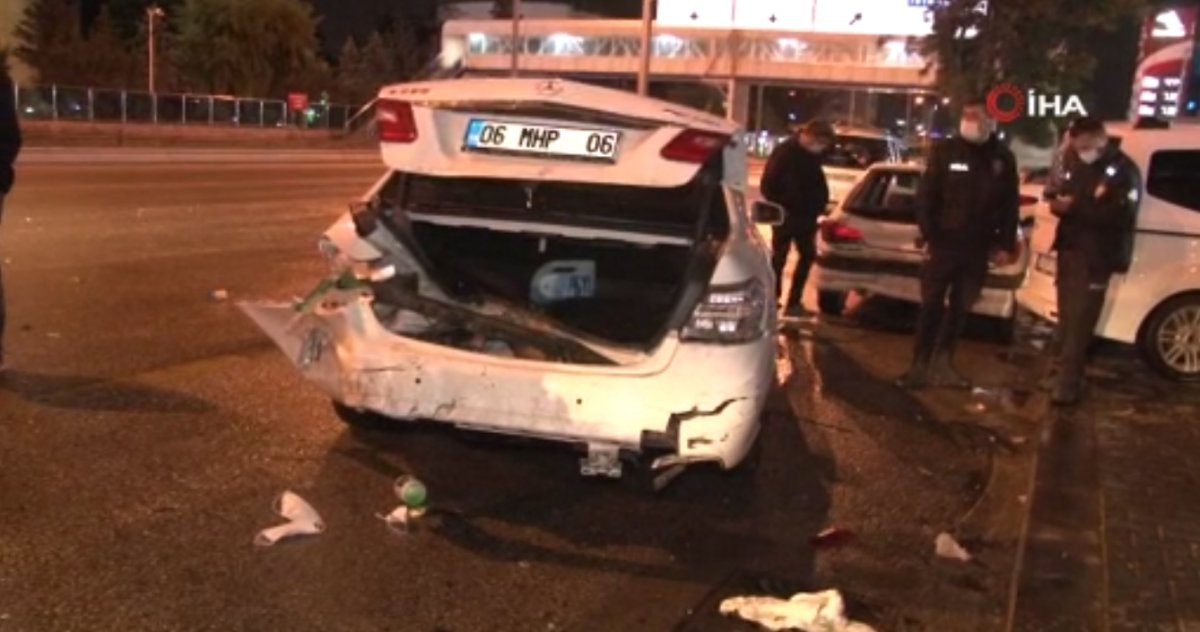 Ankara da zincirleme kaza: 2 yaralı #2