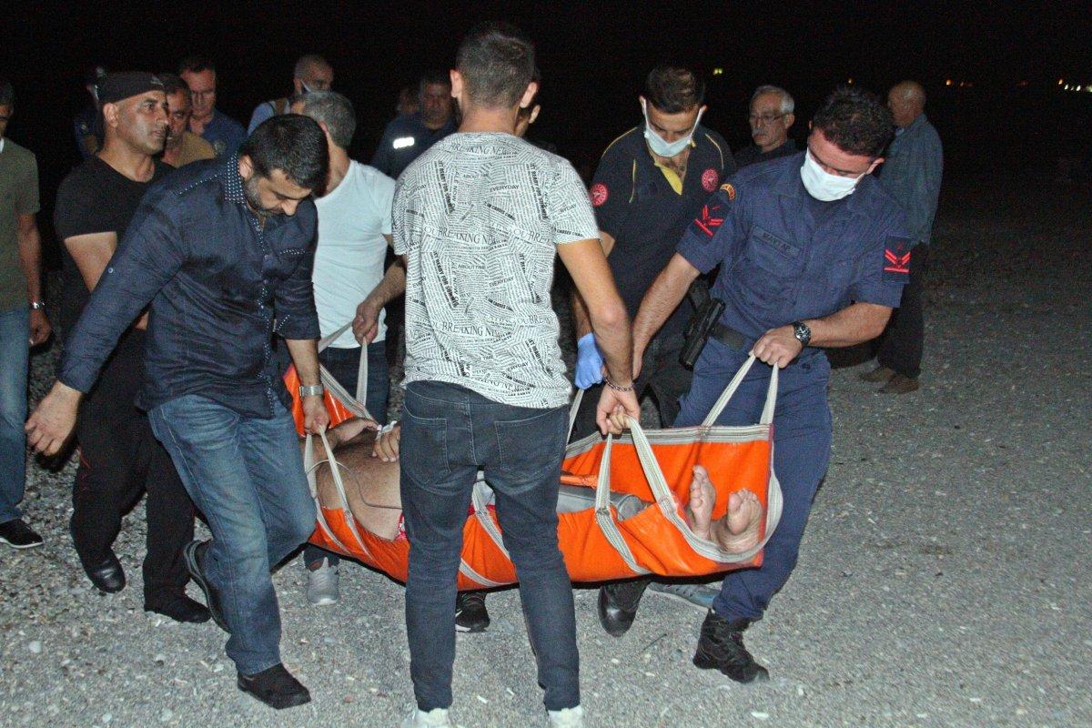 Antalya da bir kişi girdiği denizde boğulma tehlikesi yaşadı #1