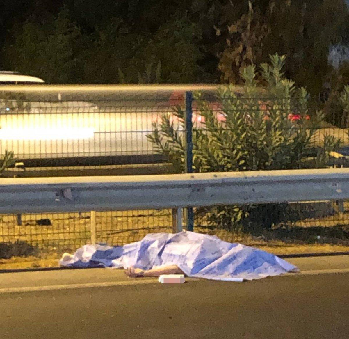 Antalya da turistlere araba çarptı: 1 ölü 1 yaralı #1