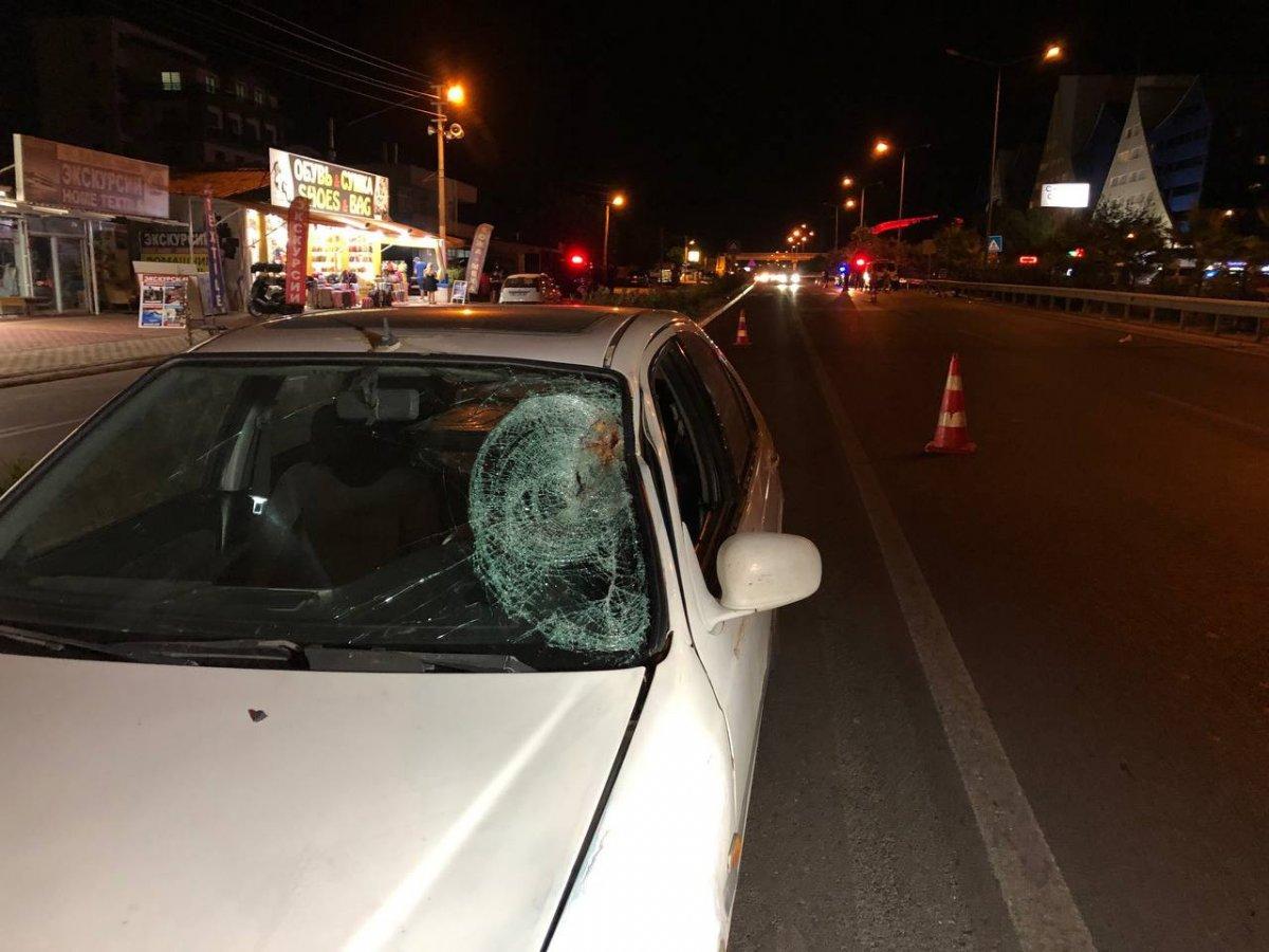 Antalya da turistlere araba çarptı: 1 ölü 1 yaralı #2