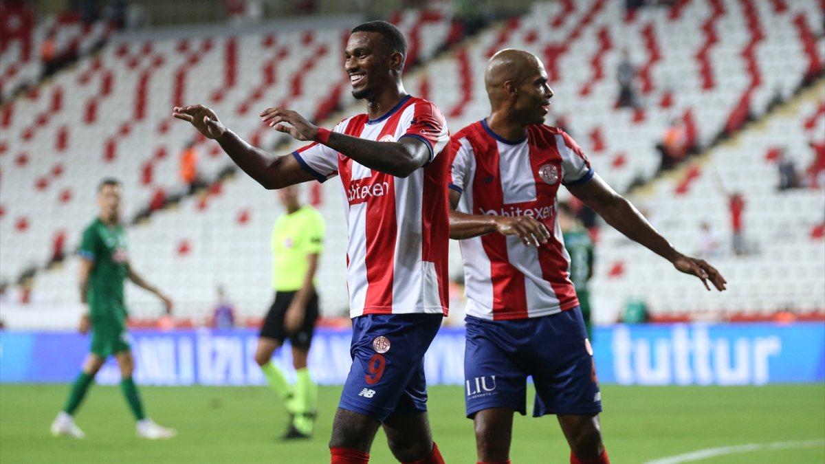 Antalyaspor, Çaykur Rizespor'u 3-2 mağlup etti