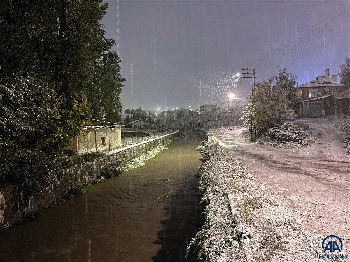 Ardahan'da mevsimin ilk karı yağdı #4