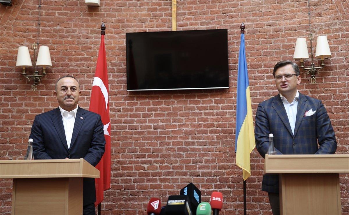 Bakan Çavuşoğlu, Ukraynalı mevkidaşı ile ortak basın toplantısı düzenledi #1