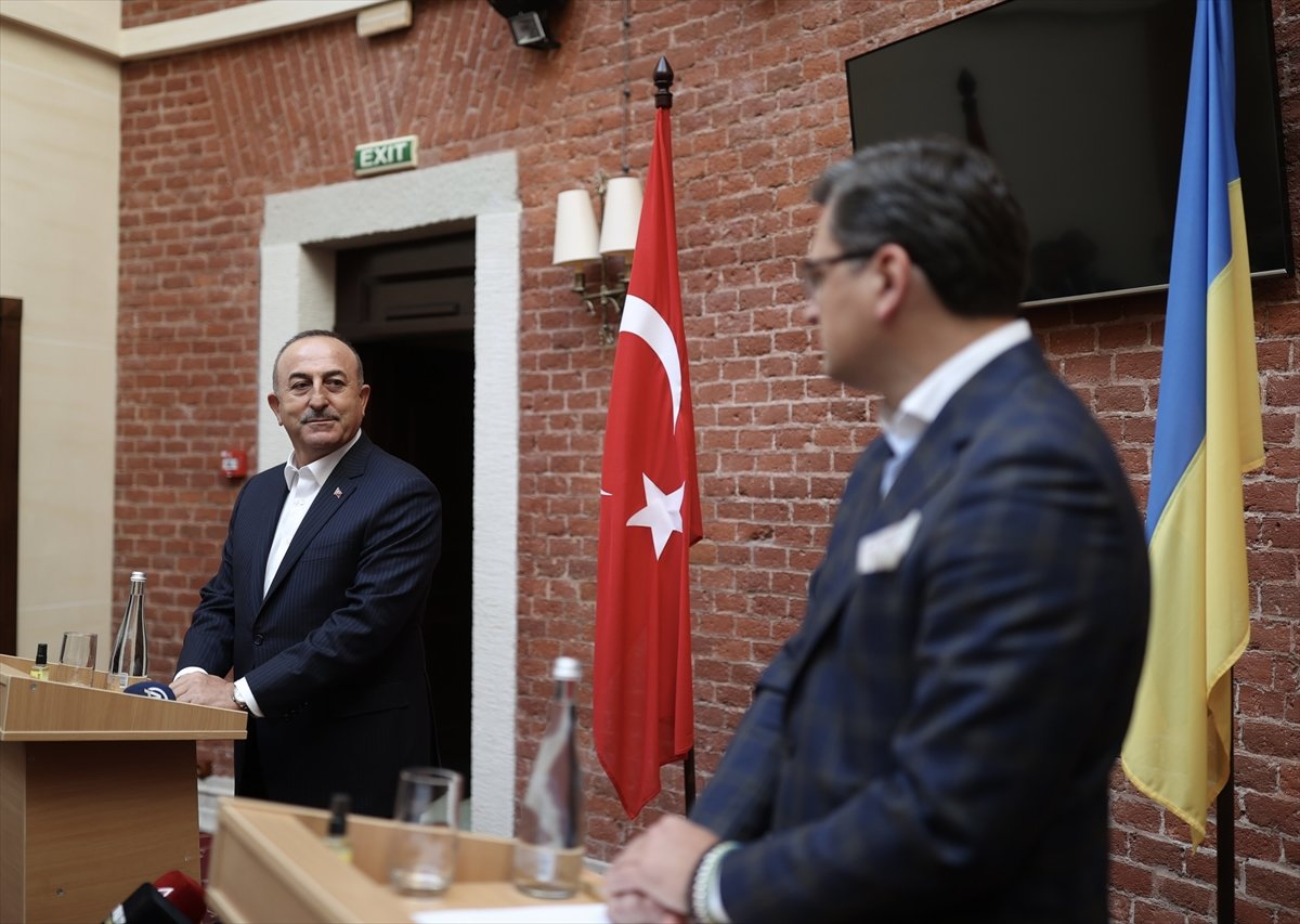 Bakan Çavuşoğlu, Ukraynalı mevkidaşı ile ortak basın toplantısı düzenledi #2