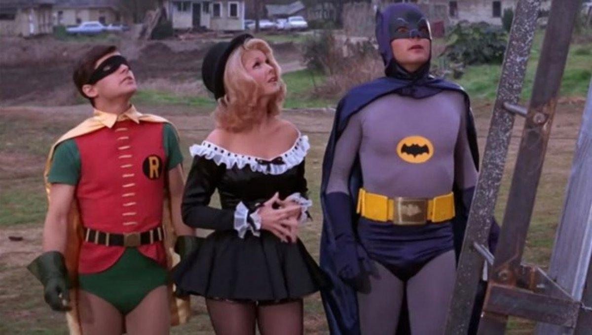 Batman hayranları yasta! Hollywood un yıldız ismi Jean Hale den acı haber #1