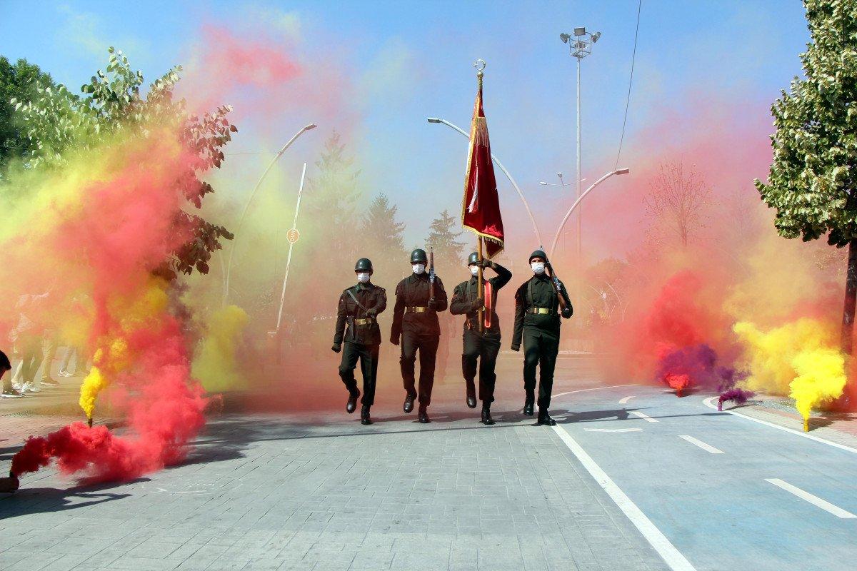 Bolu'da mavi bereli komandoların görkemli 30 Ağustos yürüyüşü #1