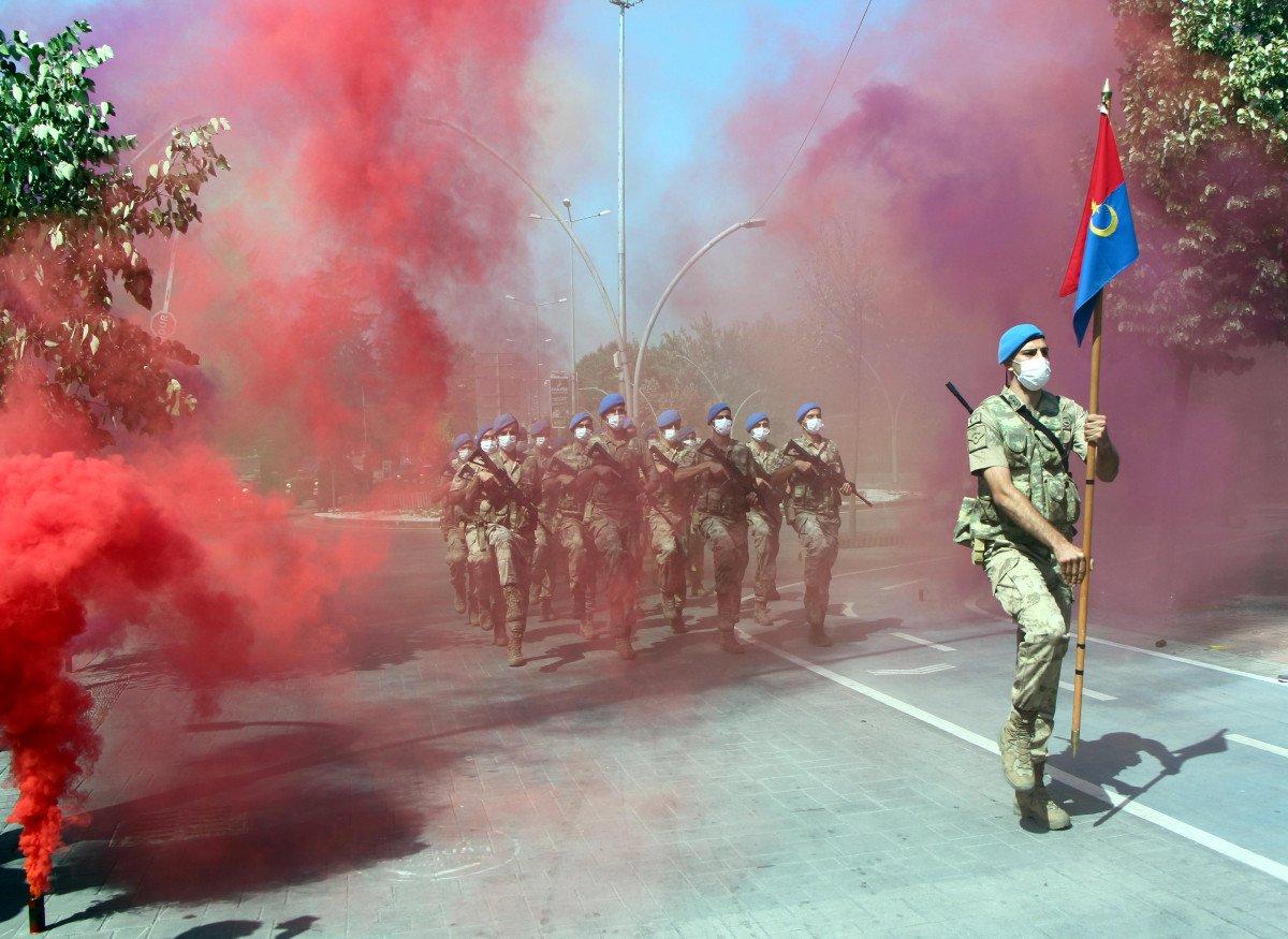 Bolu'da mavi bereli komandoların görkemli 30 Ağustos yürüyüşü #8
