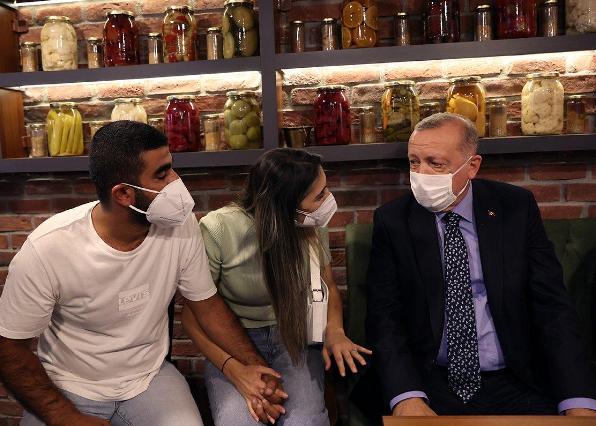 Çengelköy de Cumhurbaşkanı Erdoğan a sevgi seli #1