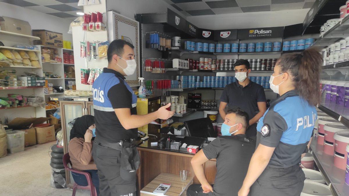 Cizre'de polis halkla kaynaşıyor