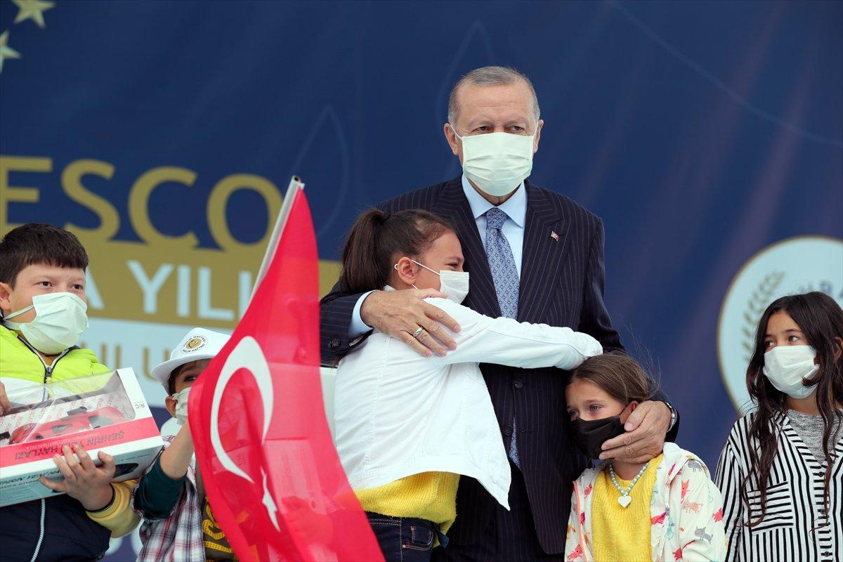 Cumhurbaşkanı Erdoğan a çocuklardan yoğun ilgi #4