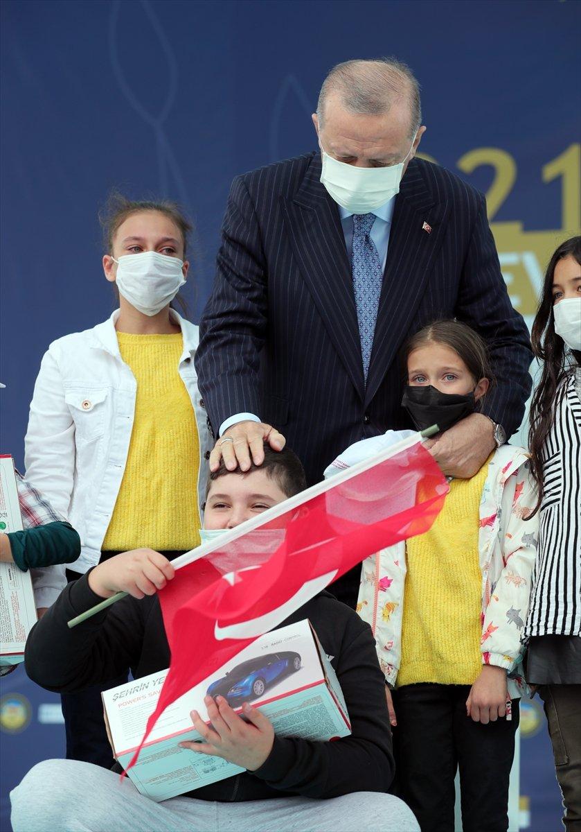 Cumhurbaşkanı Erdoğan a çocuklardan yoğun ilgi #11