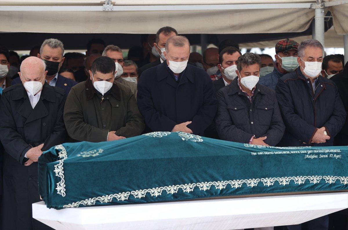 Cumhurbaşkanı Erdoğan, Ahmet Gür ün cenazesine katıldı #2