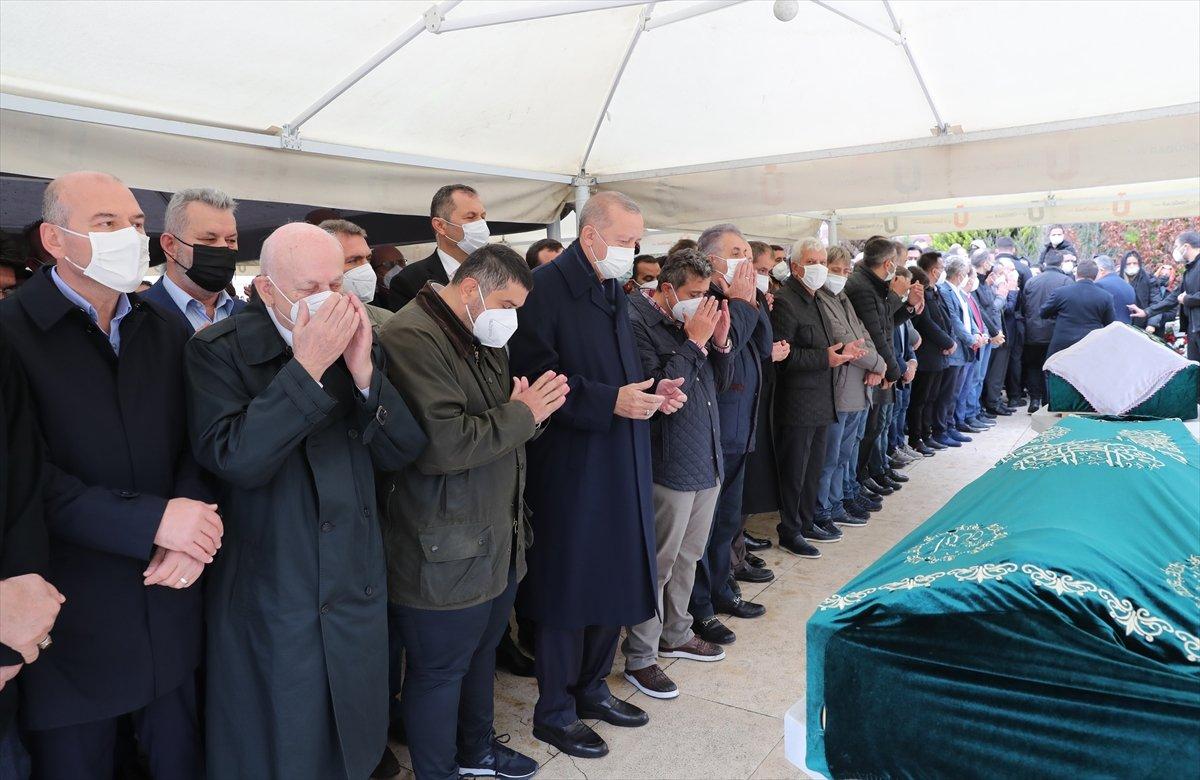 Cumhurbaşkanı Erdoğan, Ahmet Gür ün cenazesine katıldı #3