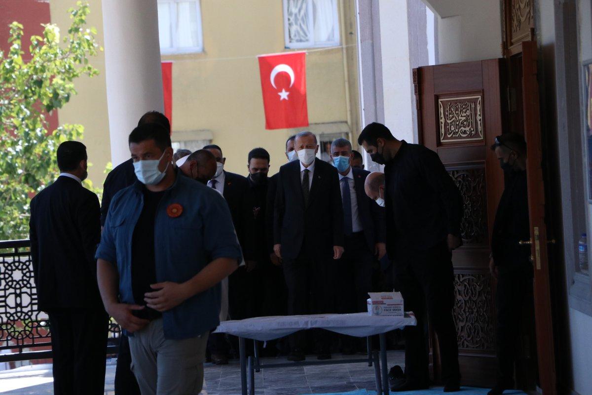 Cumhurbaşkanı Erdoğan, cuma namazını Mersin de kıldı #1