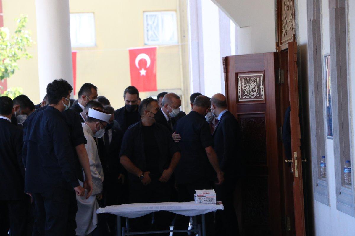 Cumhurbaşkanı Erdoğan, cuma namazını Mersin de kıldı #3