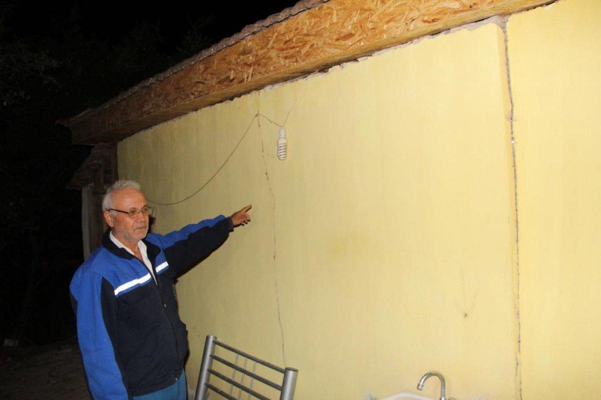 Denizli de yaşanan depremden etkilenen ev sahipleri, çadıra yerleştirildi #8