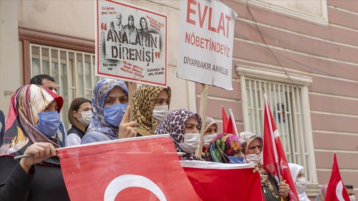 Diyarbakır da ailelerin evlat nöbeti 3 üncü yılına girdi #5