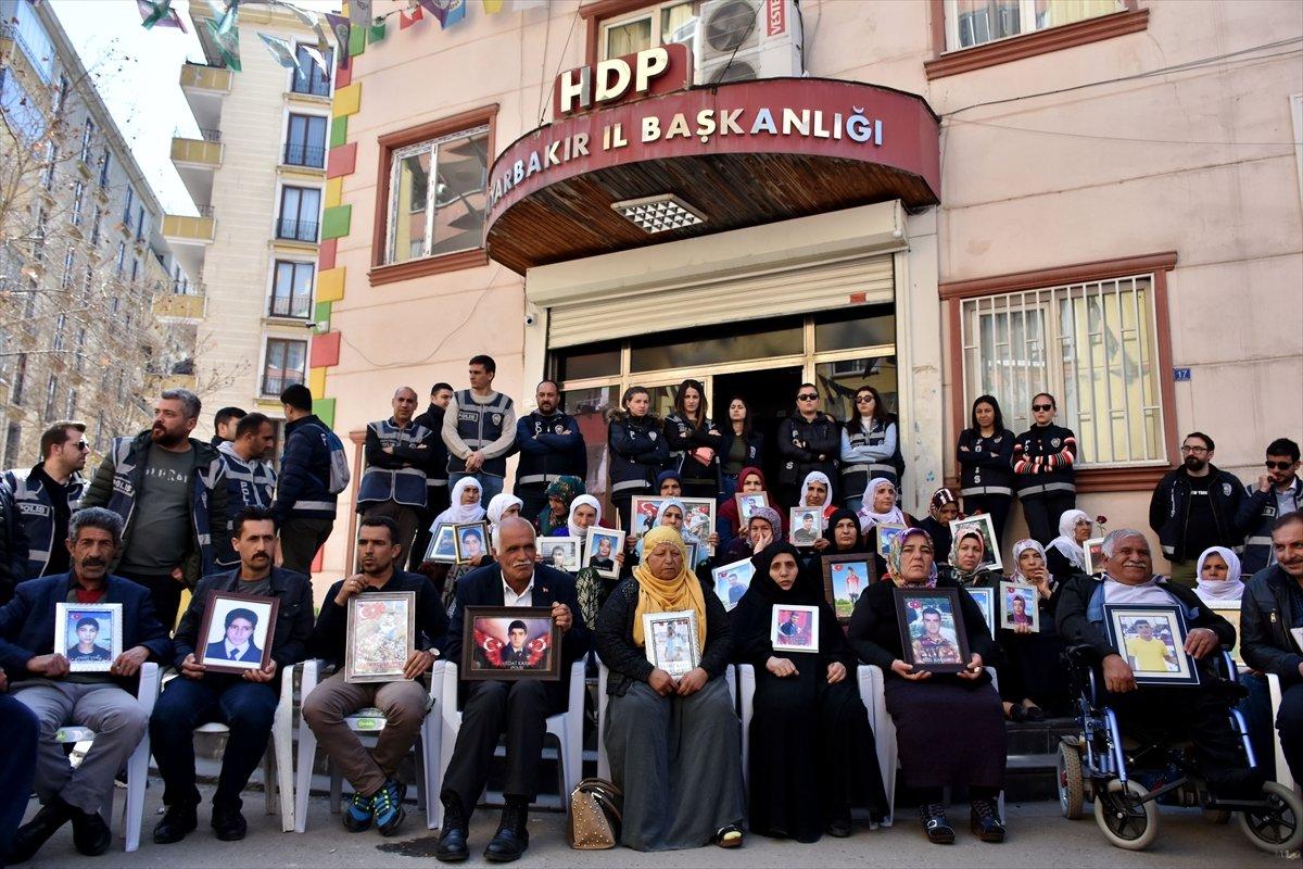 Diyarbakır da ailelerin evlat nöbeti 3 üncü yılına girdi #13