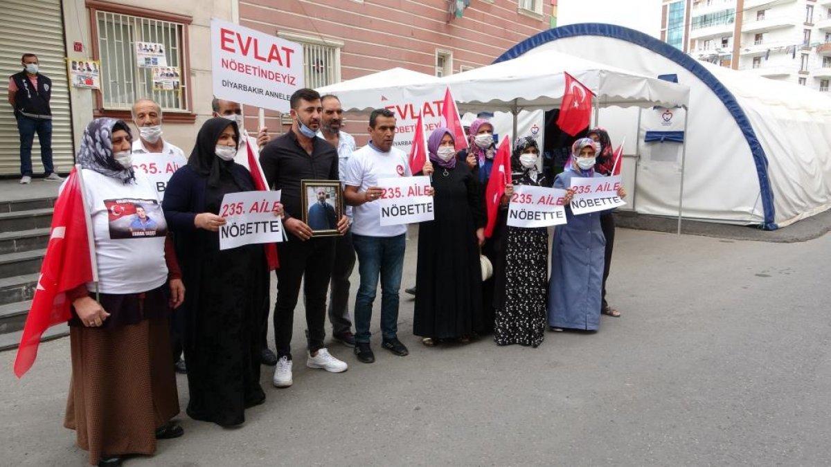 Diyarbakır da evlat nöbetindeki aile sayısı 234 oldu #1
