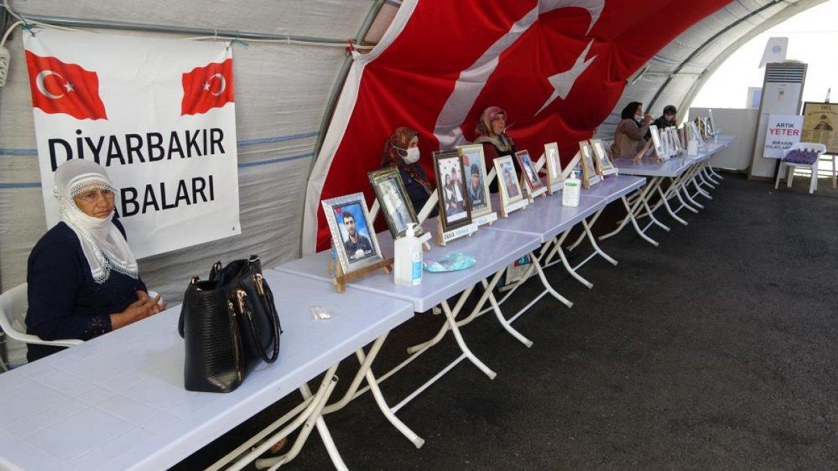 Diyarbakır da evlat nöbetindeki anne: Oğlum gel adalete ve devlete teslim ol #3