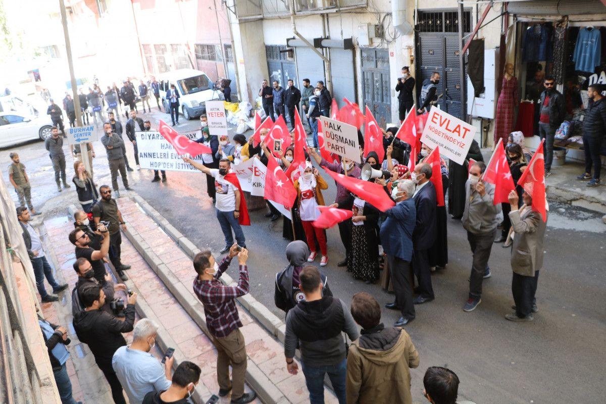 Diyarbakır daki annelerden, Hakkari deki evlat nöbeti eylemlerine destek #1