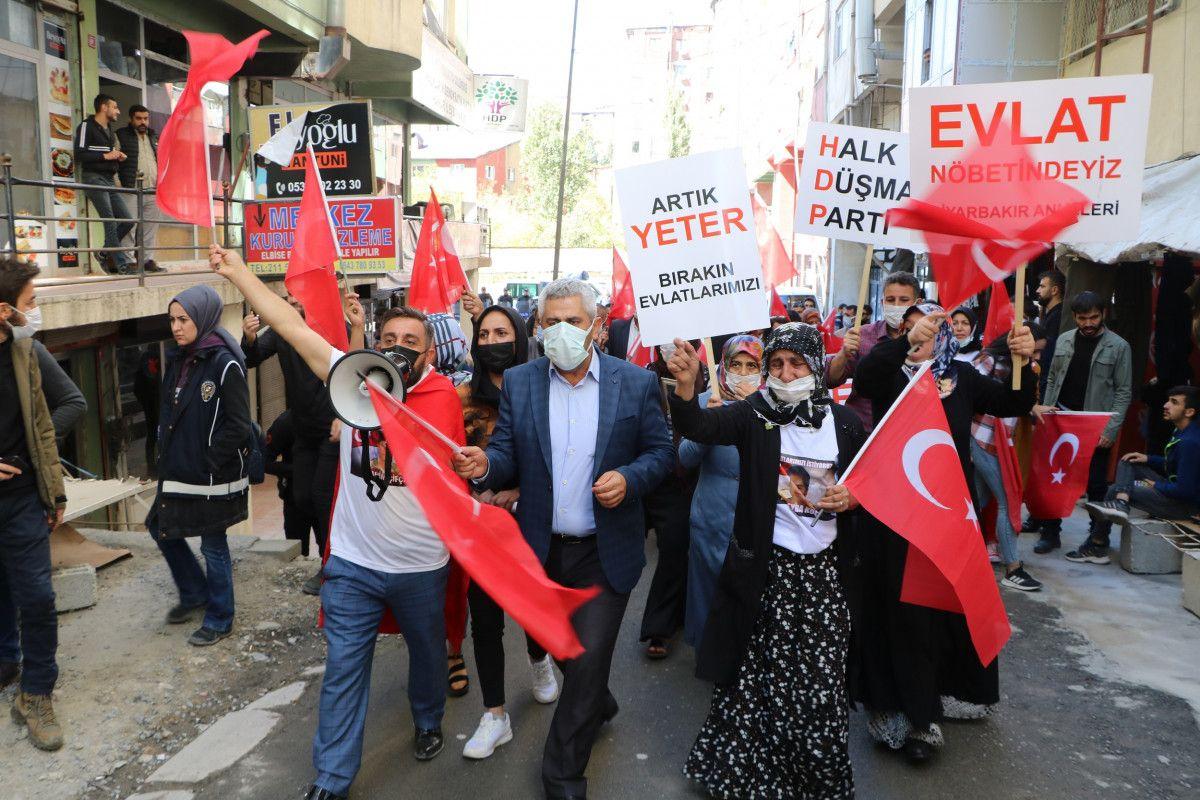 Diyarbakır daki annelerden, Hakkari deki evlat nöbeti eylemlerine destek #2