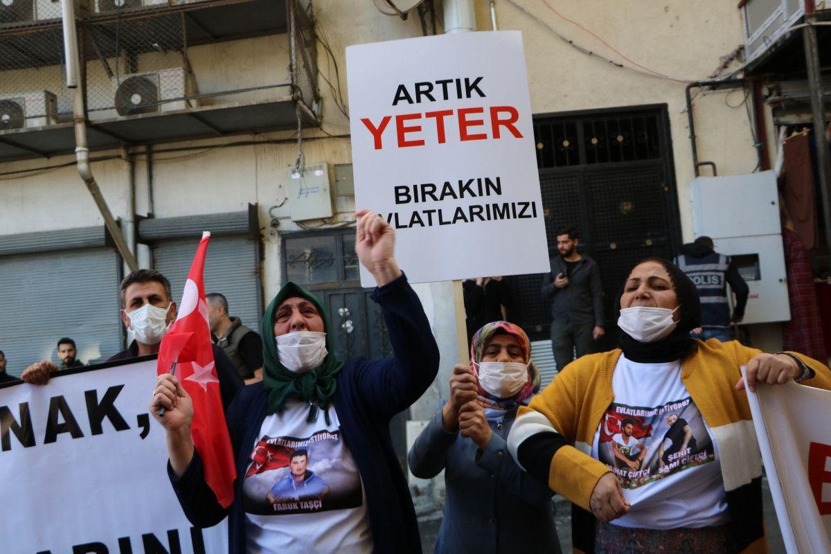 Diyarbakır daki annelerden, Hakkari deki evlat nöbeti eylemlerine destek #4