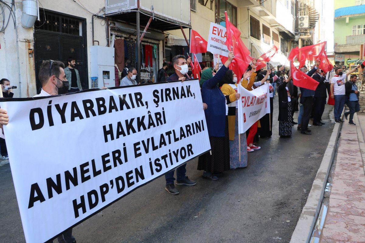 Diyarbakır daki annelerden, Hakkari deki evlat nöbeti eylemlerine destek #5