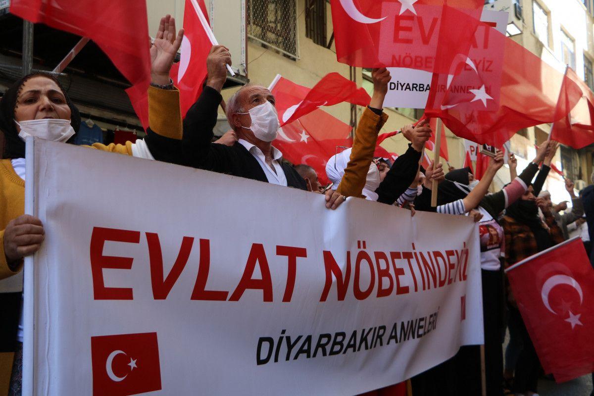 Diyarbakır daki annelerden, Hakkari deki evlat nöbeti eylemlerine destek #6