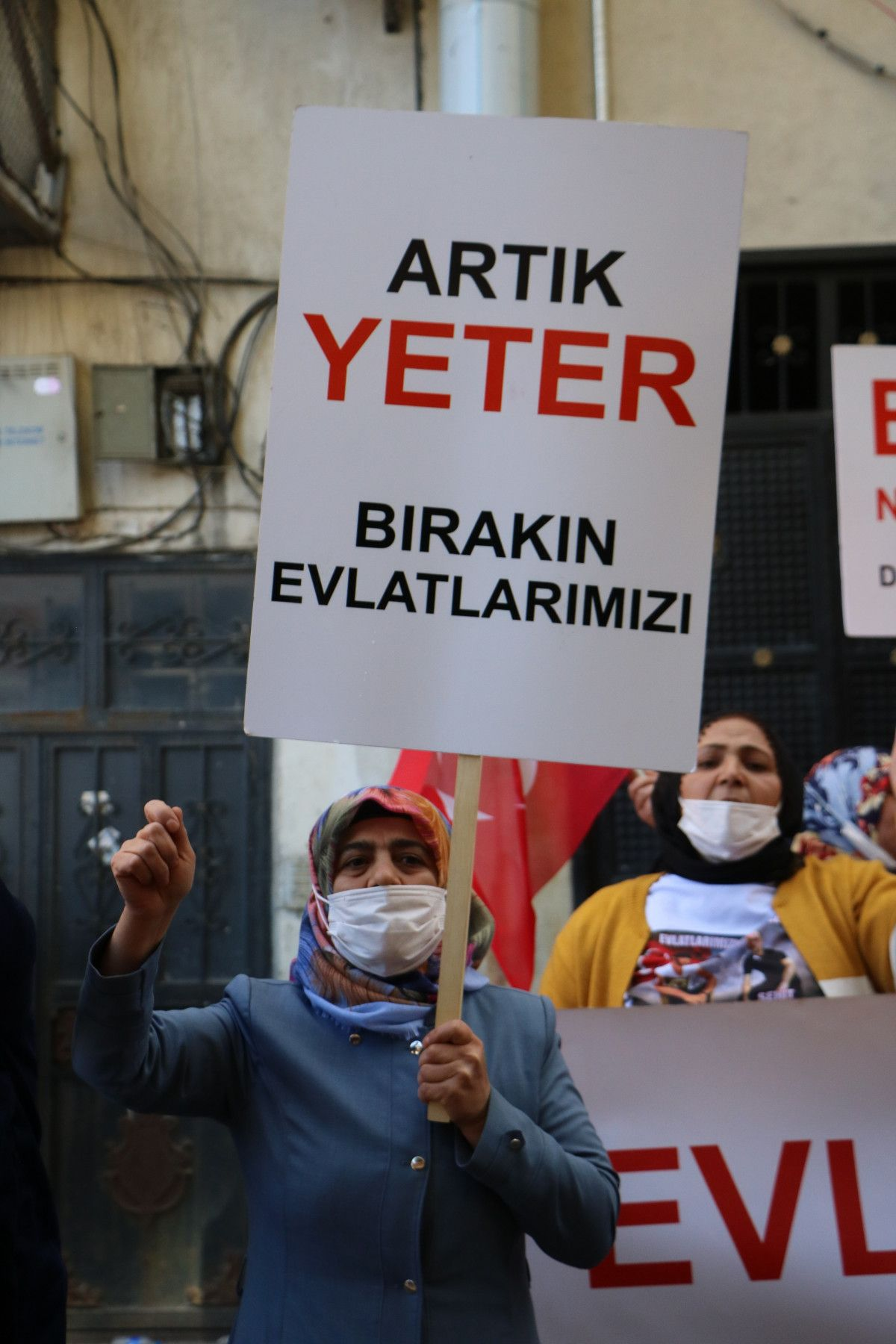 Diyarbakır daki annelerden, Hakkari deki evlat nöbeti eylemlerine destek #7