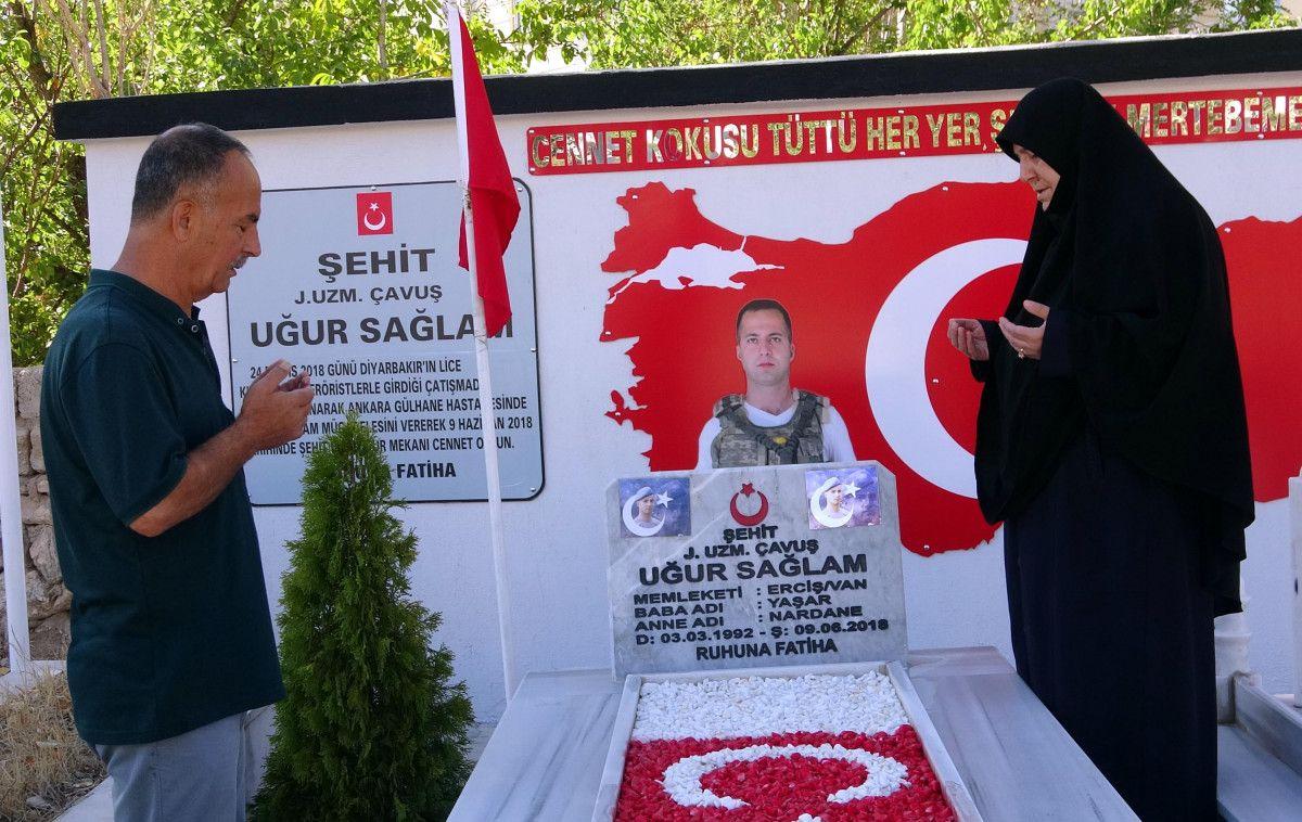 Diyarbakır şehidine ailesi anıt yaptırdı #5