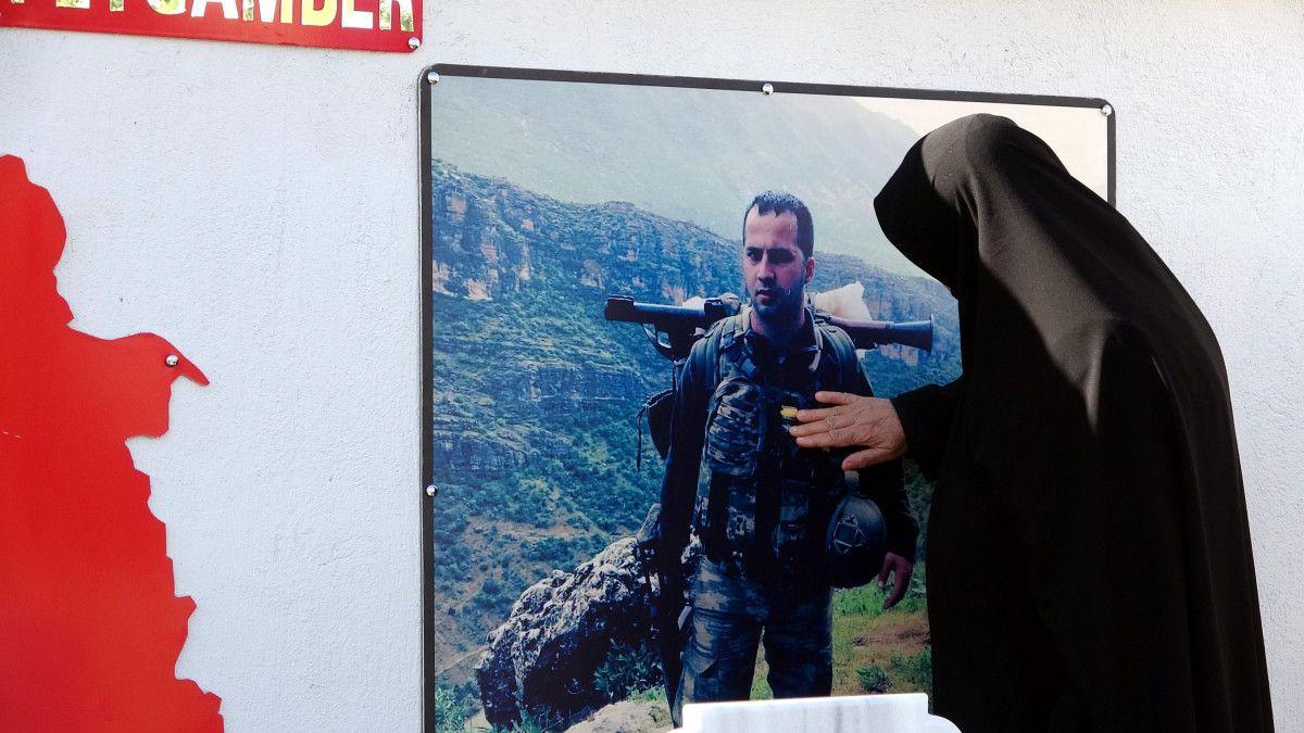Diyarbakır şehidine ailesi anıt yaptırdı #8