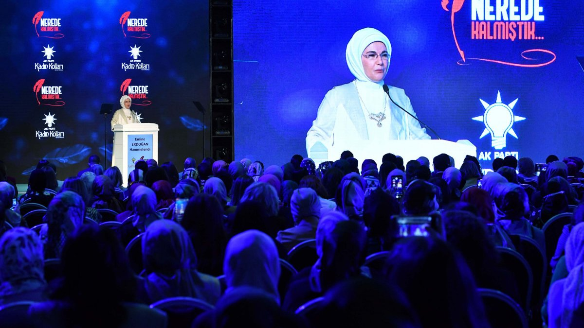 Emine Erdoğan: Eğitimleri yarıda kalan kadınlarımız okula devam edecek