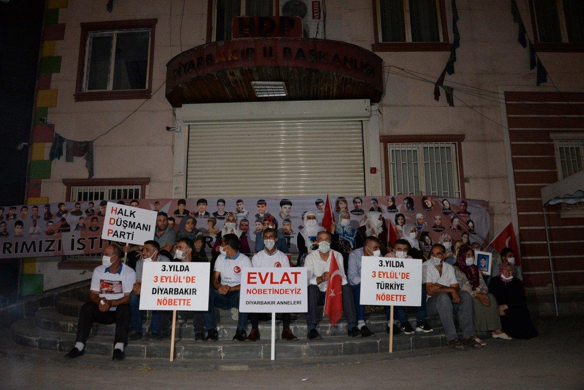 Evlat nöbetindeki aileler 3 Eylül de herkesten destek bekliyor #1