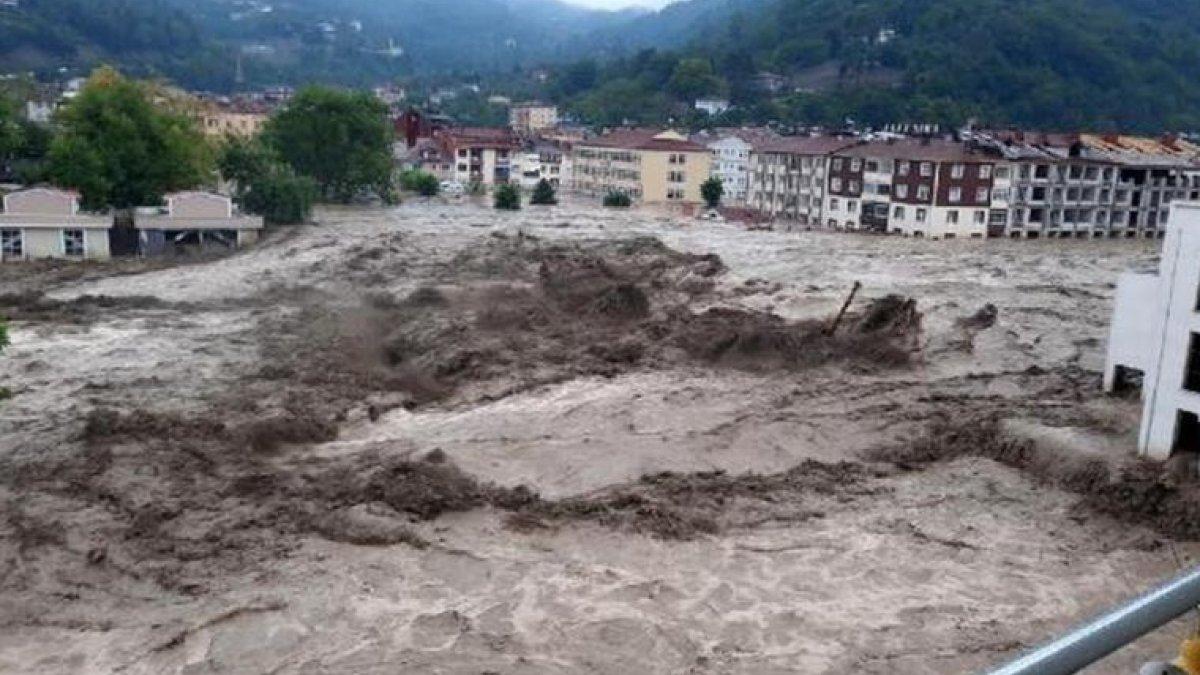 Fatih Dönmez: Selden zarar gören köylerin tamamına elektrik verdik