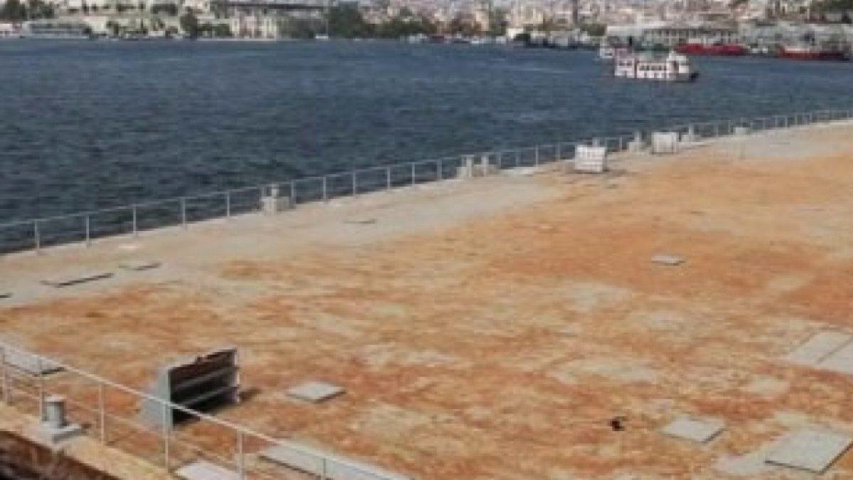 Haliç'teki tenis platformu kaldırıldı